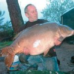 Carpe miroir 36,700 Kgs – Lac de curtons (Rainbow Lake) – Lac privé – Richard de Vitt