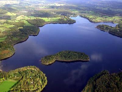Lacs et étangs de Bourgogne dans Traditions en Bourgogne Settons-2