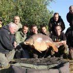 Pierre Meyer capture la carpe record de CarpaSens : Anny 30,3 kilos 3