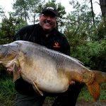 Carpe miroir 40,080 Kgs – Lac de curtons (Rainbow Lake) – Lac privé – Graham Slaughter