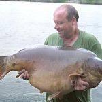 Carpe miroir 34,585 Kgs – Etang de la Croix Blanche – Lac privé – Keith Reeve
