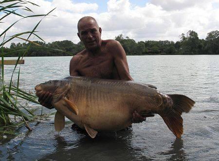 Carpe miroir 39,700 Kgs - Lac de Graviers (Luke Moffat Lake) - Lac privé - Mick Cooper 1