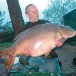 Carpe miroir 36,700 Kgs – Lac de curtons (Rainbow Lake) – Lac privé – Richard de Vitt