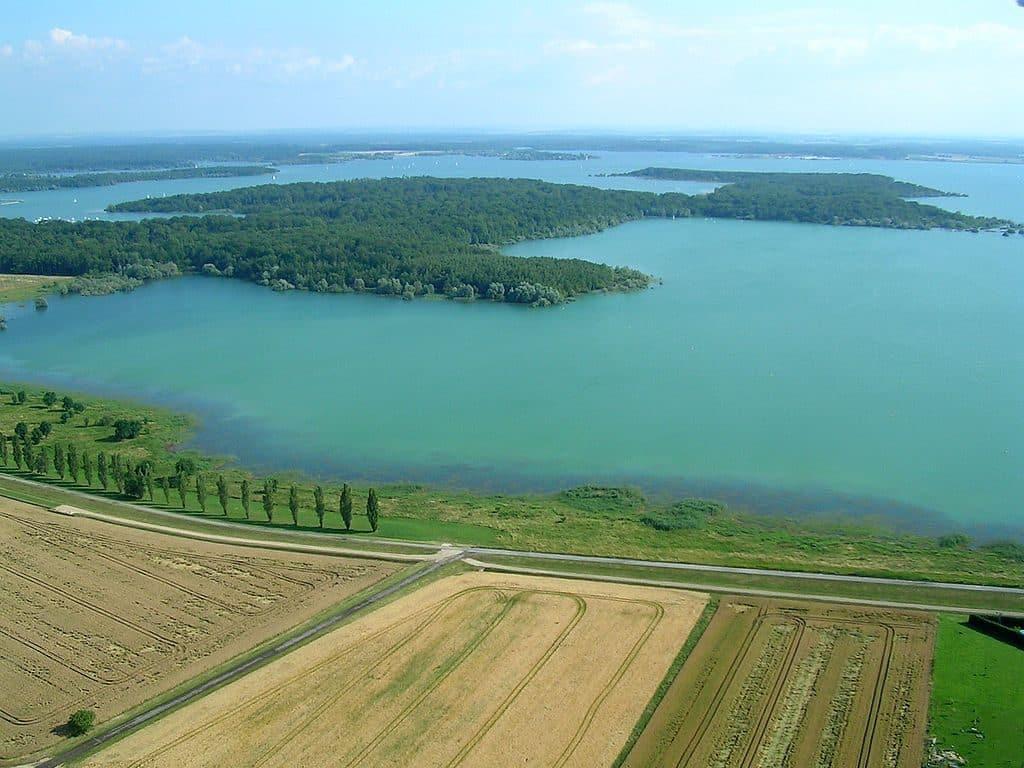 Vue aerienne du lac du Der Chantecoq