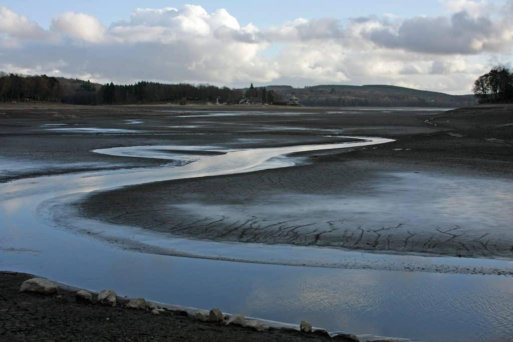 Lac des Settons vidangé en 2008