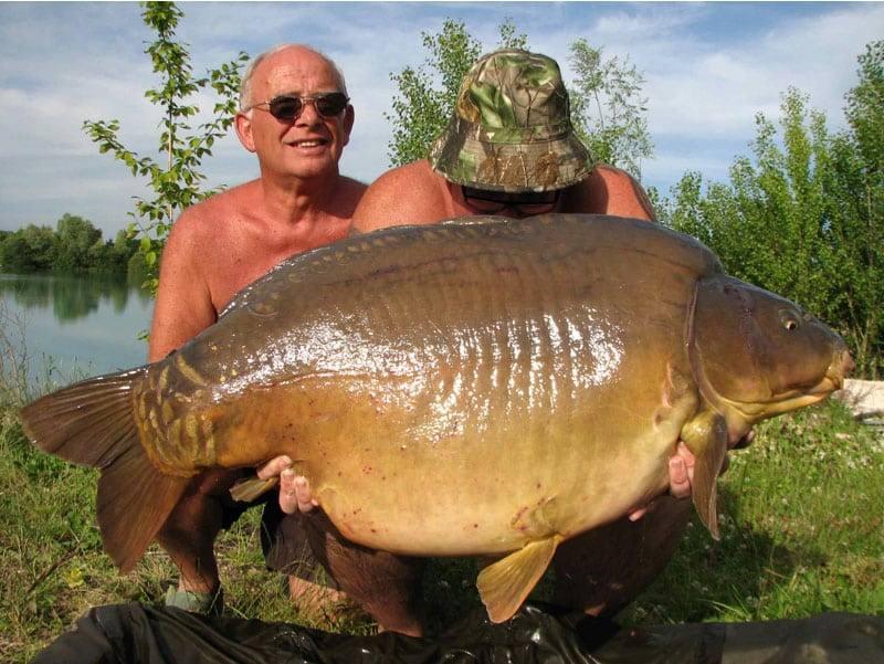 Nouveau record pour le lac de Gigantica : 75 livres, soit 34 kilos 5