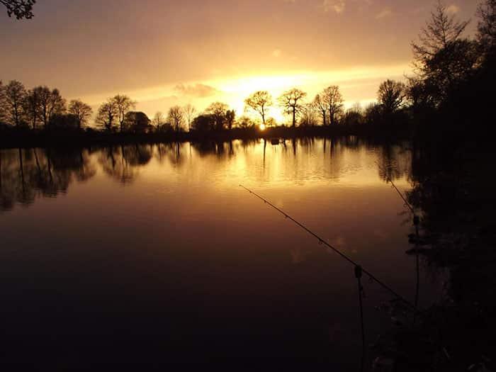 Couché de soleil sur l'étang de la Malonne