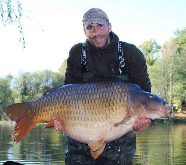 La commune surnommée Colin capturée à son poids record de 37,6 kilos 1