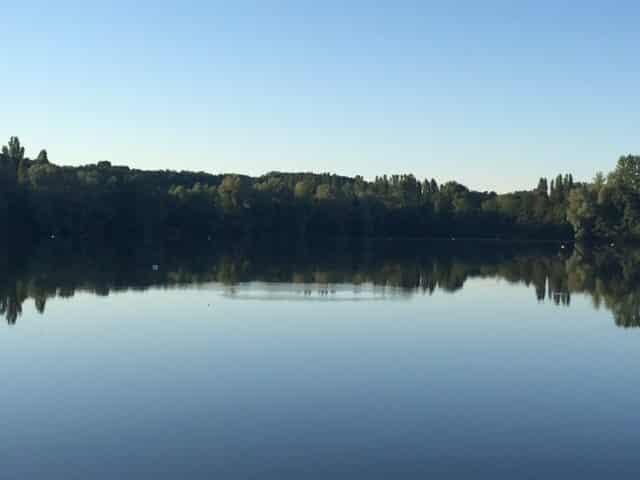 Vue du petit bassin de la gravière du Grand Fontenay