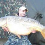 Carpe commune record au lac mequinenza : 40,2 kilos