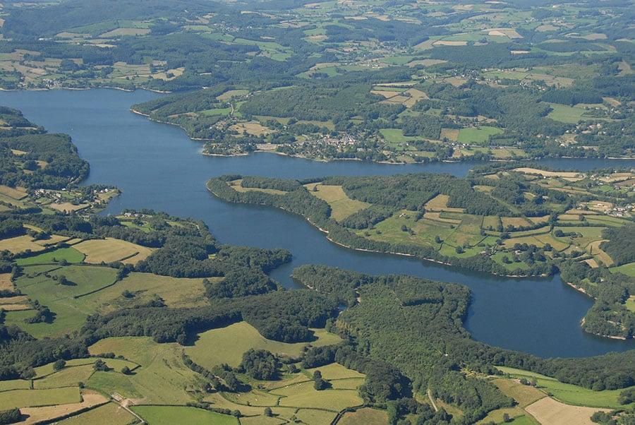 Lac de Pannecière - Grand lac public - La nièvre (58) 1