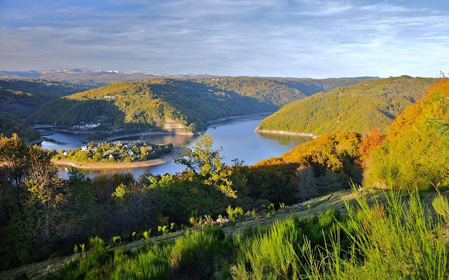 Lac de Sarrans – Grand lac public – Aveyron (12) 1