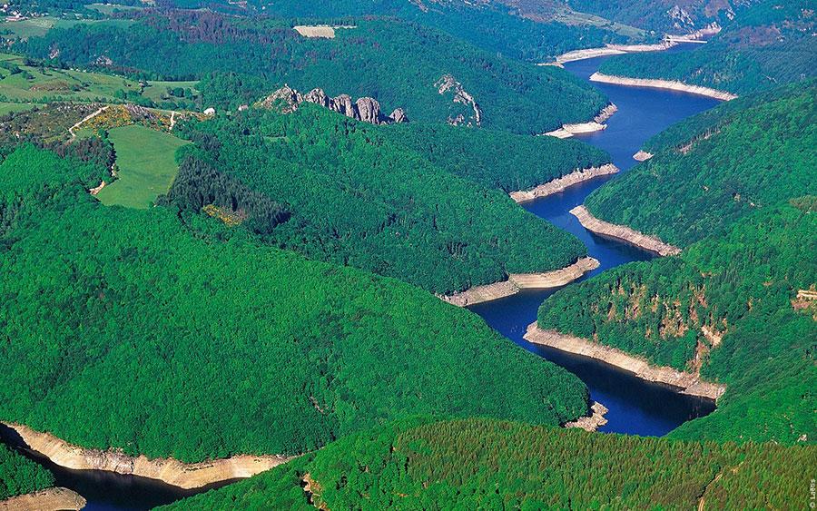 Lac de Sarrans – Grand lac public – Aveyron (12) 3