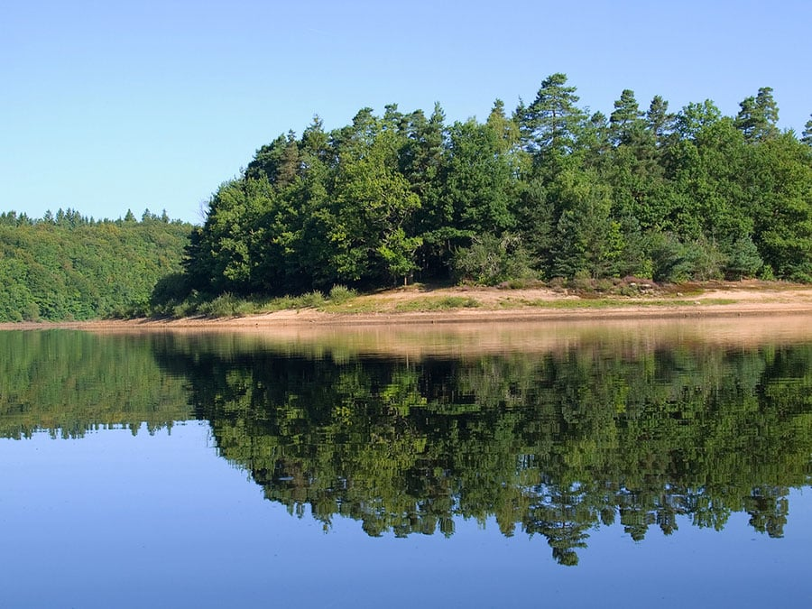 Lac de barrage de Viam - ile