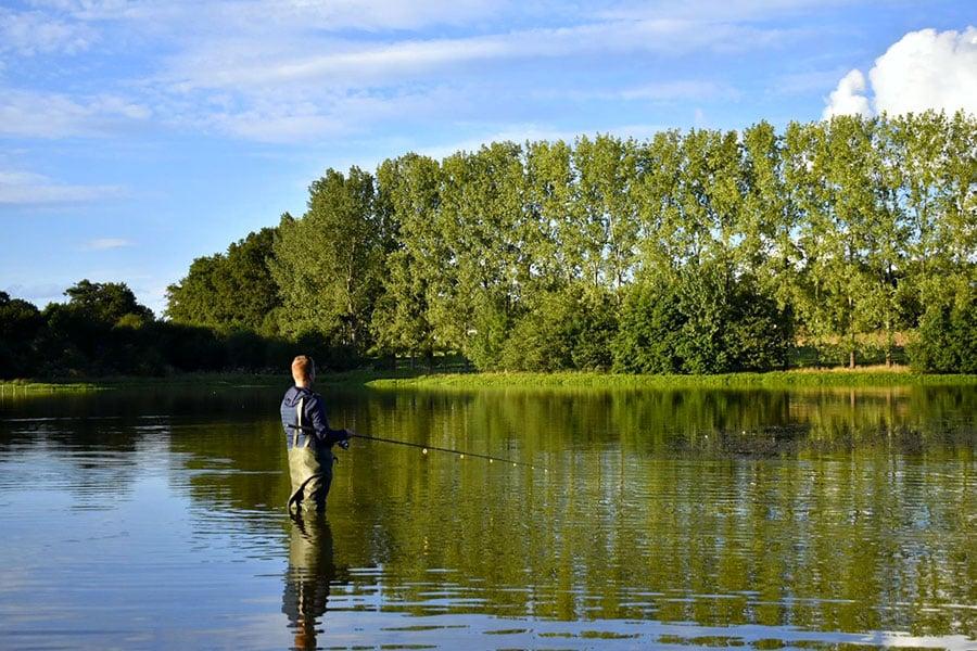 Lac de Villedon - végétation luxuriante