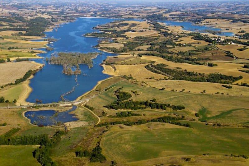 Vue aérienne de lac de la Ganguise