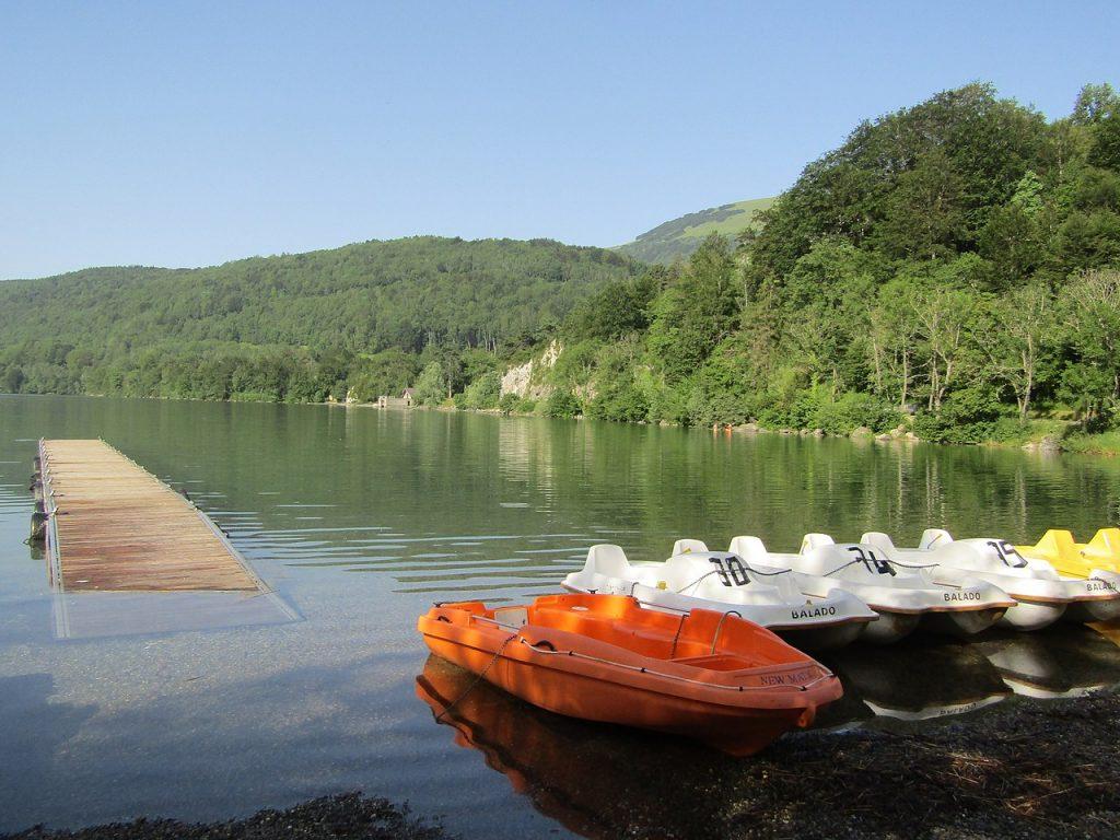 Activité nautique sur le lac de Laffrey
