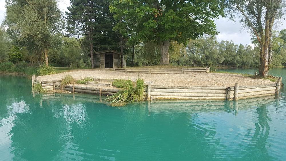 Poste de pêche lac de graviers