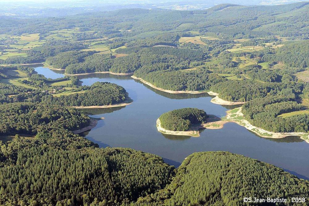 Lac de Chaumeçon vue aérienne