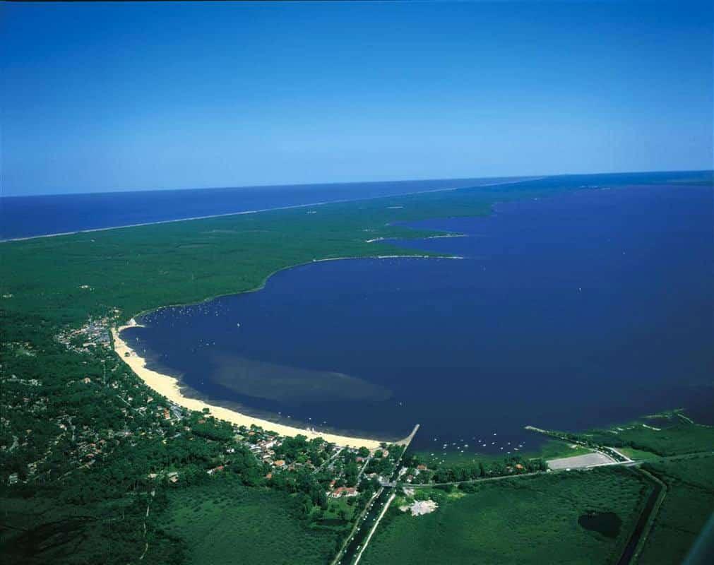 Vue aérienne Lac d'Hourtin et de Carcans