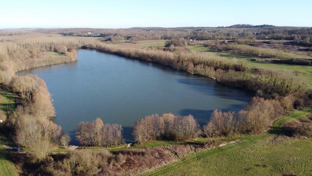 Vue aérienne sur l'étang Carpanium